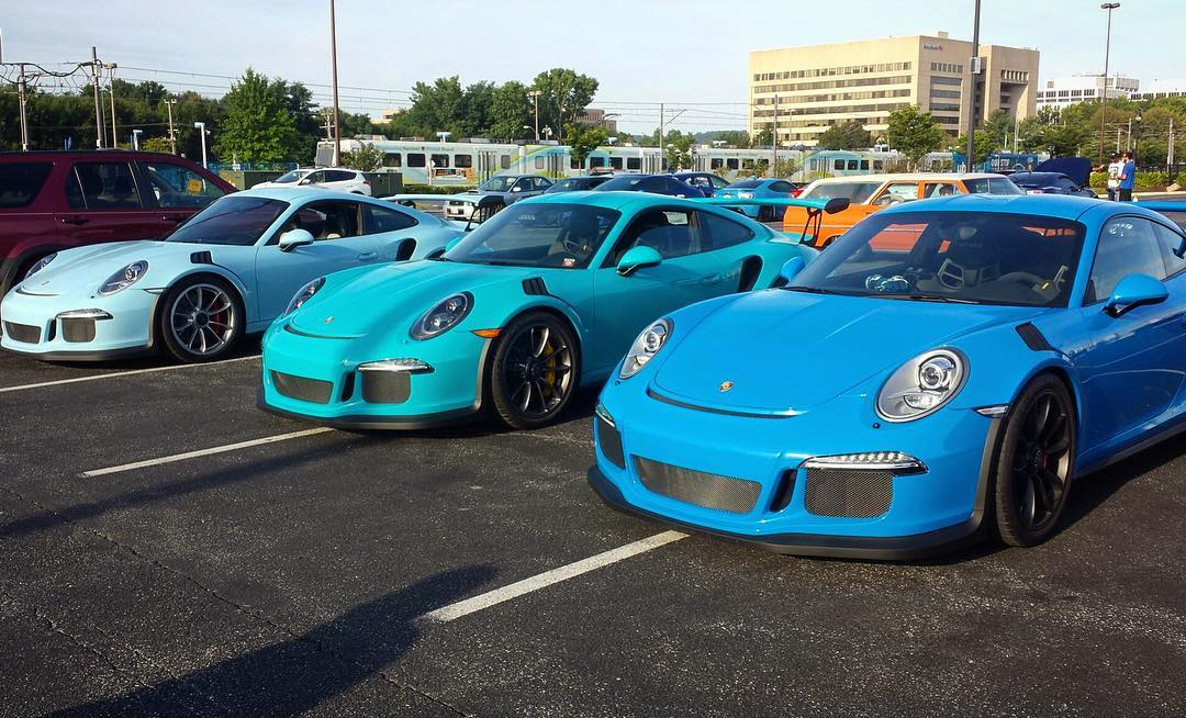 Looks like our old Miami Blue GT3RS has some newhellip