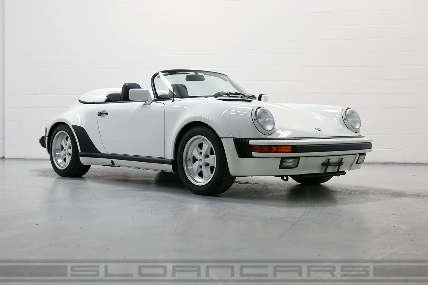 1989 Porsche 911 Speedster Grand Prix White Navy Top