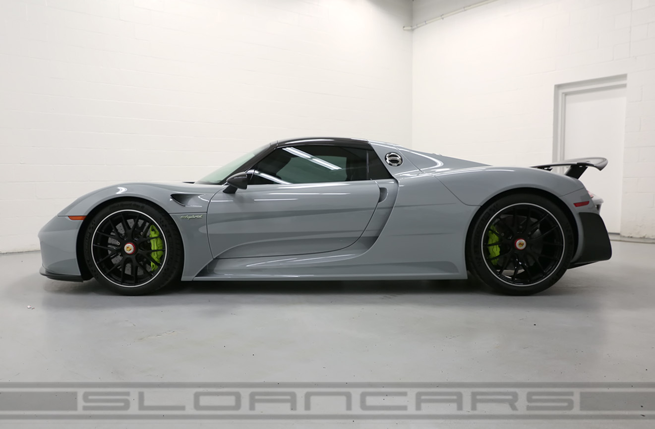 Charmant 2015 918 Spyder Weissach Package
